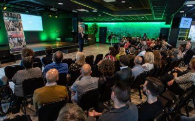 Albert Heijn en OpenJeHart vinden elkaar in strijd tegen eenzaamheid