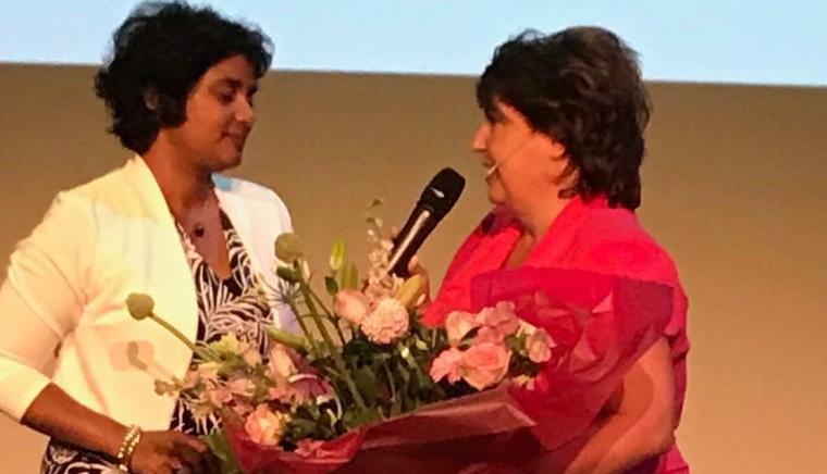 Bloemen wethouder Irene Korting vanwege nominatie